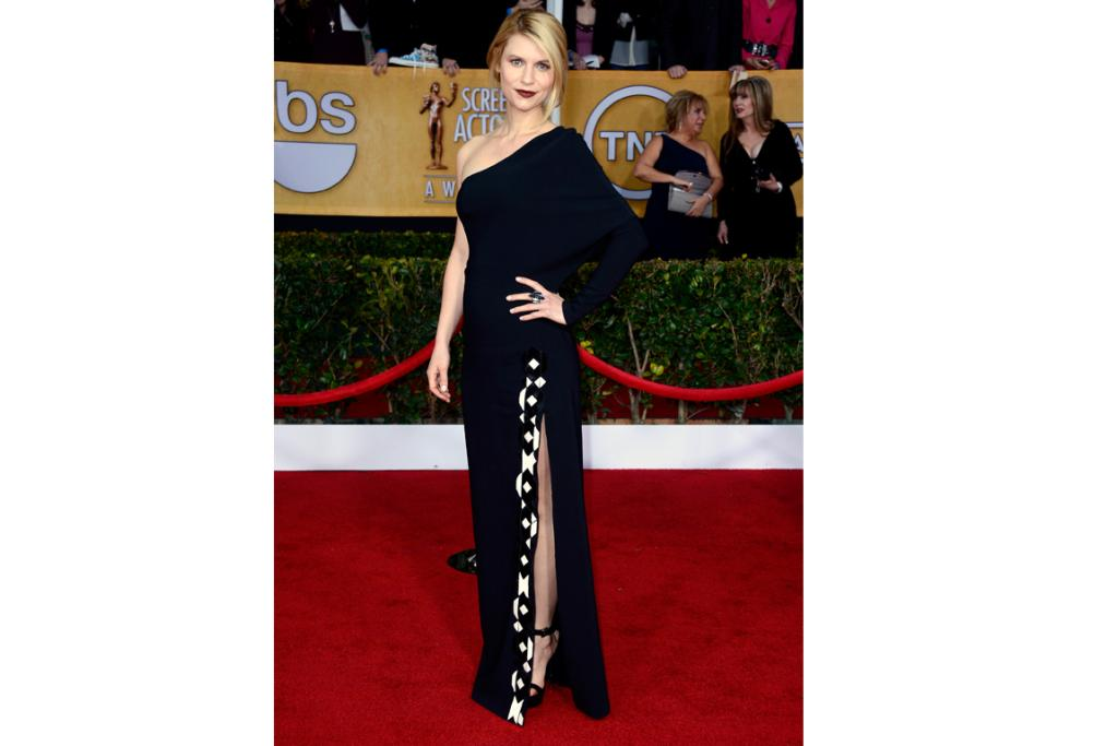 Claire Danes goes for gothic glamour in one-shouldered Givenchy and dark lipstick.