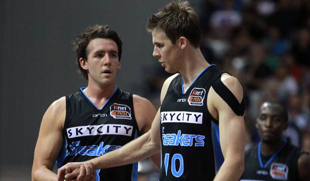 HOT FORM: Daryl Corletto (left) and Thomas Abercrombie of the New Zealand Breakers.