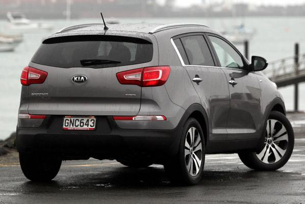 kia sportage limited diesel photos motoring. Black Bedroom Furniture Sets. Home Design Ideas