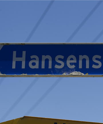 CORRECT: The sign is spelt the right way at one end of Hansens Line.