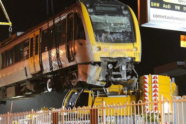 Brisbane train derailment