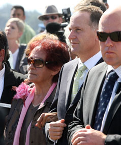 John Key stands arm in arm with Hone Harawira's mother, Titewhai