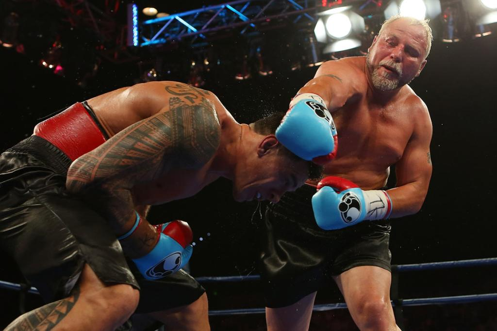 Francois Botha (right) had Sonny Bill Williams on the ropes in the 10th round of their controversial fight.