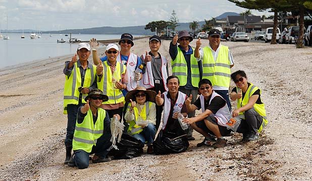 Bucklands Beach clean up team