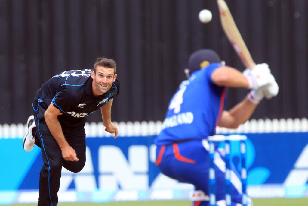 Andrew Ellis fires down a delivery for New Zealand.