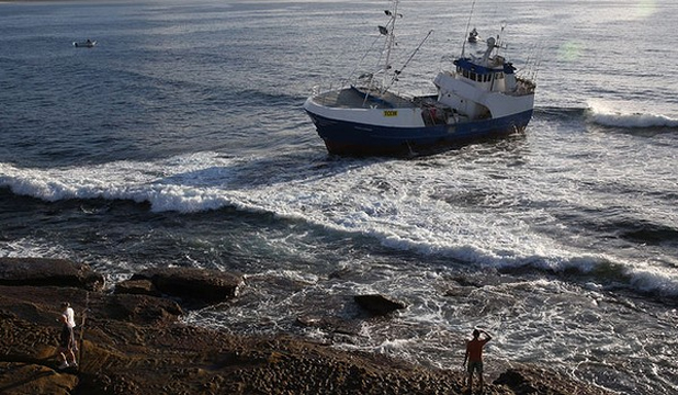 GOING NOWHERE: The trawler in Cronulla is stuck where it ran aground earlier this week.