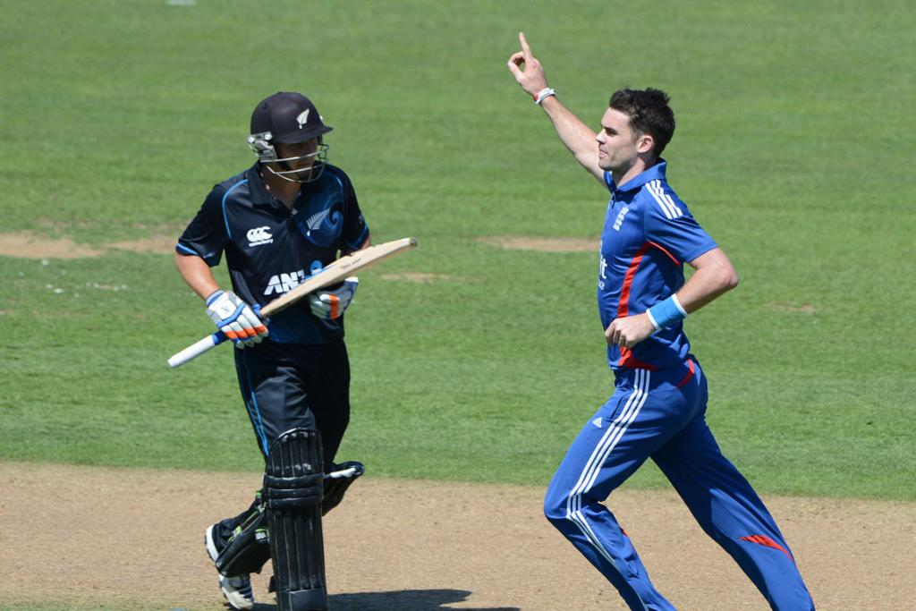 England's James Anderson celebrates the dismissal of BJ Watling.