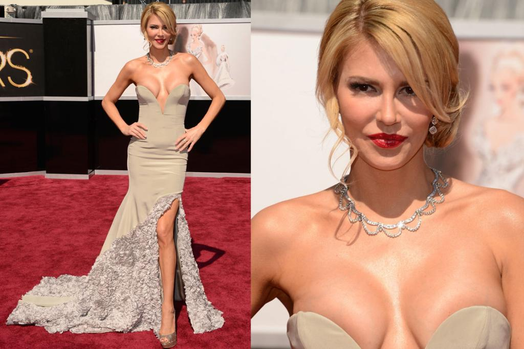 The Bad - 'Real Housewife' Brandi Glanville's just asking for a wardrobe malfunction.