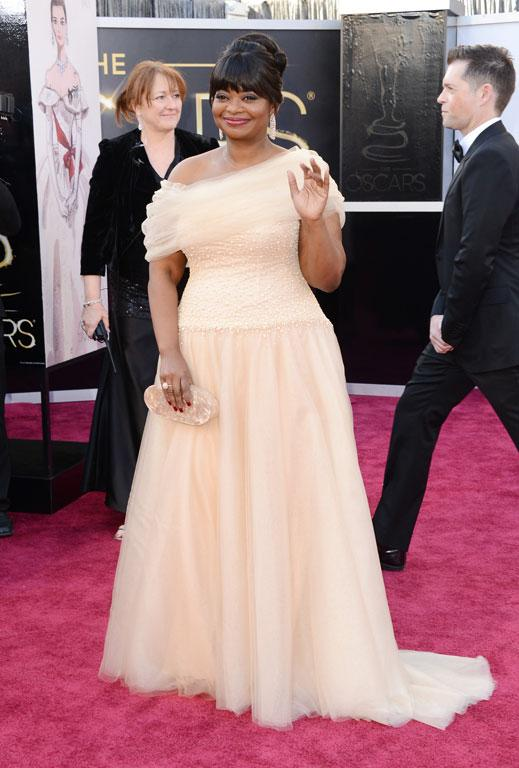The Good - Actress Octavia Spencer arrives in a cappucino gown that is the perfect fit. It's a custom-made Tadashi Shoji.