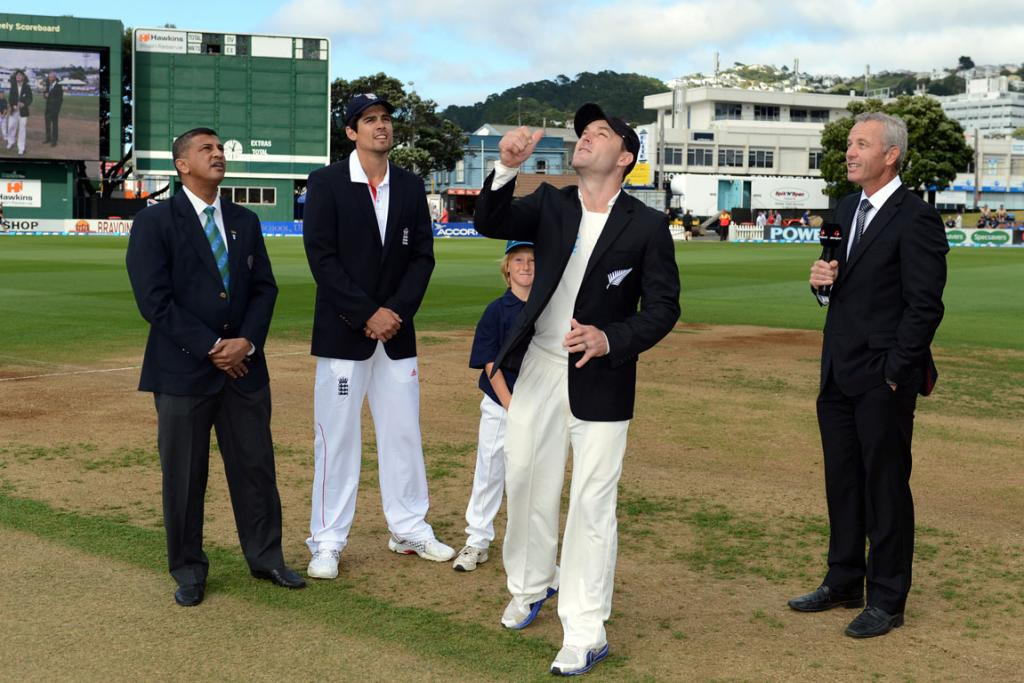 Brendon McCullum wins the toss and elects to bowl.