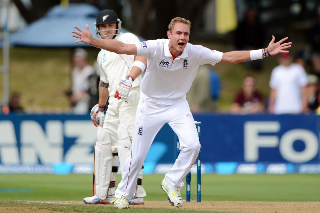 Stuart Broad appeals for the wicket of Brendon McCullum.