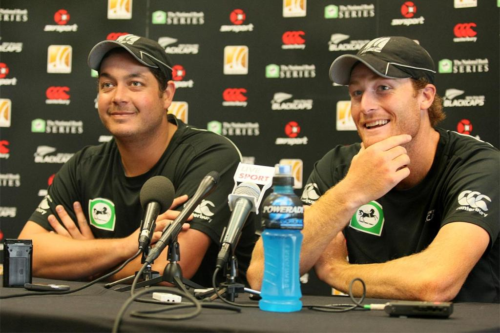 Cricketers Jesse Ryder and Martin Guptill chat to the media after a 2011 Blackcaps v Pakistan game at Queenstown was rained out.