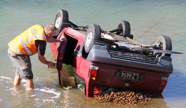 Car in Lake Dunstan