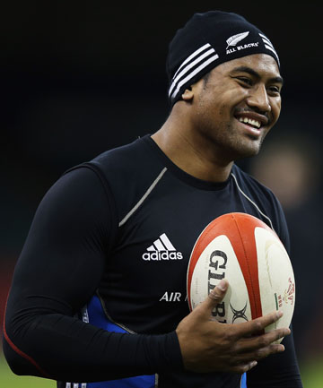 ASSAULT CHARGE: All Blacks and Hurricanes winger Julian Savea.