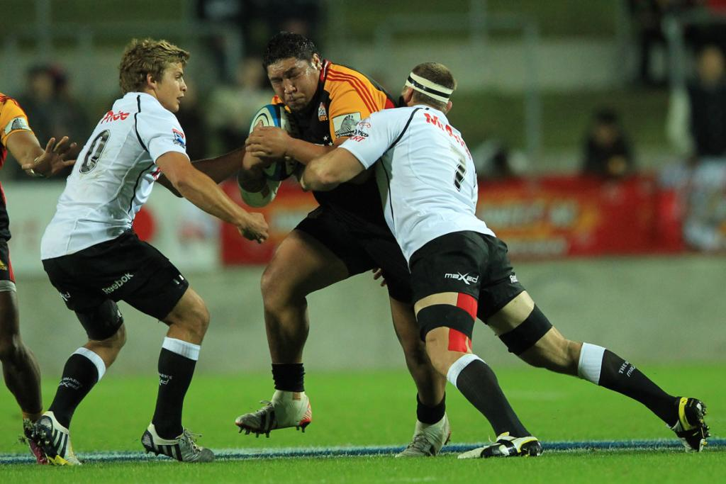 Ben Tameifuna on the charge against the Sharks.