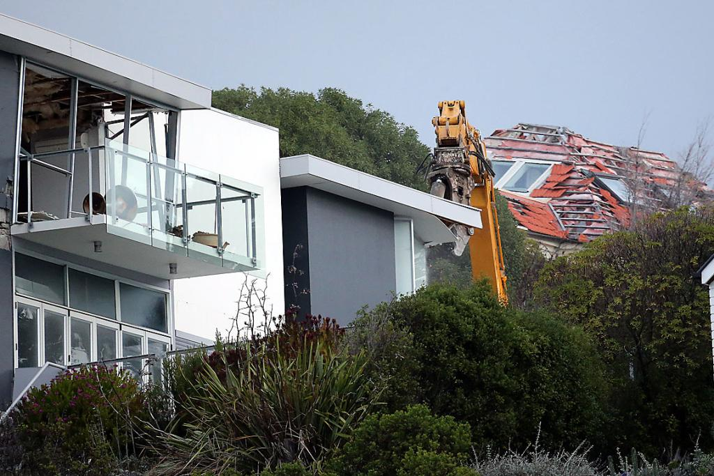 Redcliffs demolition begins
