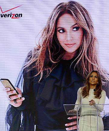 Jennifer Lopez announces Viva Movil by Jennifer Lopez, a new national wireless retailer designed for the Latino community in Las Vegas.