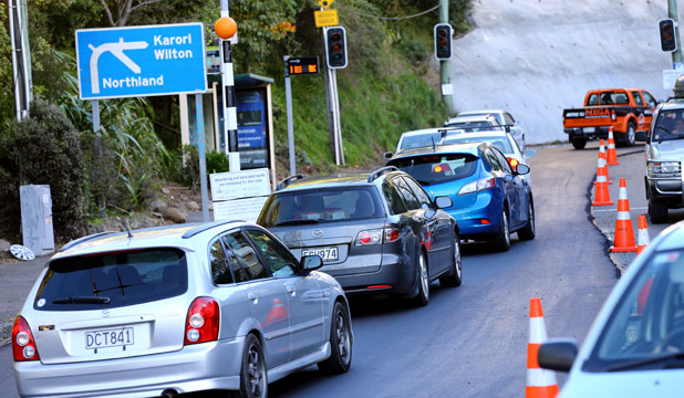 Karori tunnel traffic