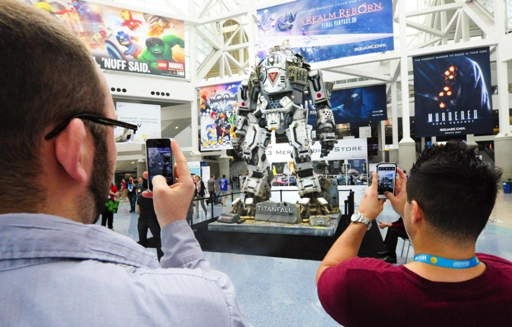 A full size robot depicted from the new game Titanfall.