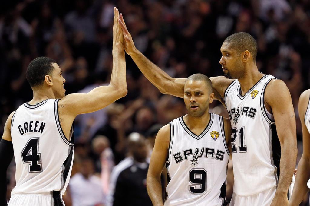 High fives all round as the Spurs take Game 5 over the Heat and a 3-2 lead.