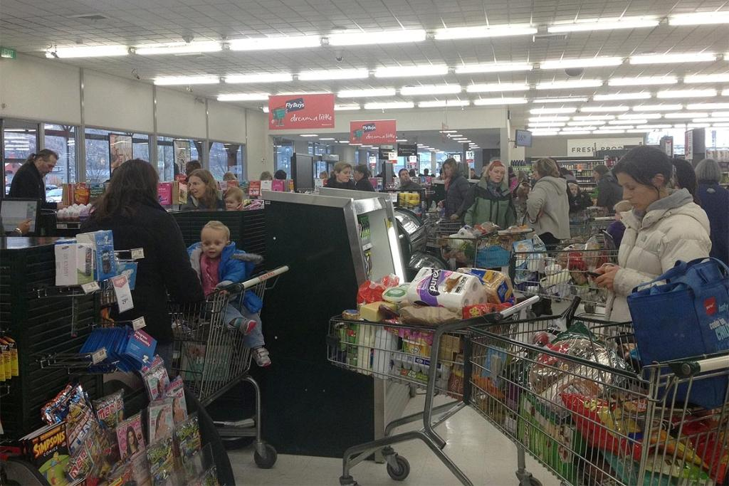 Long queues formed at Wakatipu New World in Queenstown as people flocked to buy supplies ahead of the cold snap.