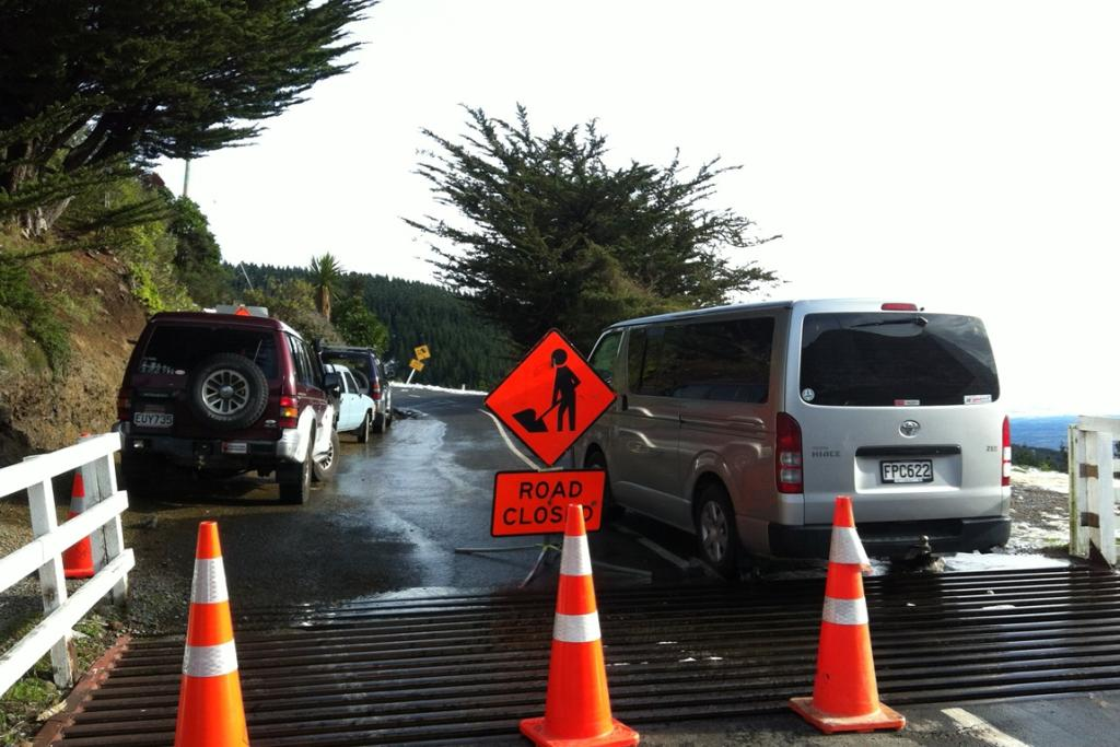 Summit Rd is closed from the Sign of the Kiwi to Gebbies pass.