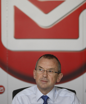 Three NZ Post mail centres will close with the lost of over 100 jobs chief executive Brian Roche says.