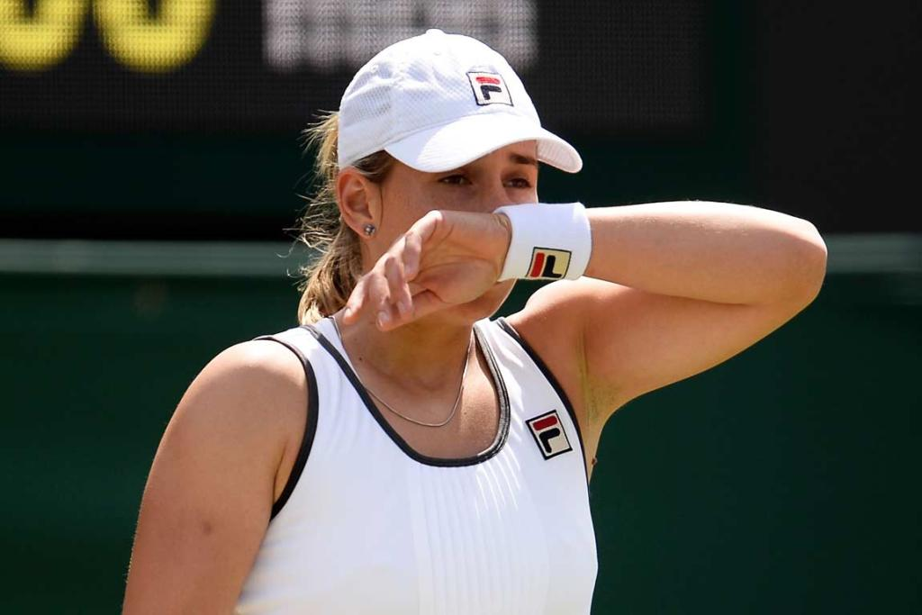 Marina Erakovic missed a chance to serve for the match, then lost eight straight games to Laura Robson.