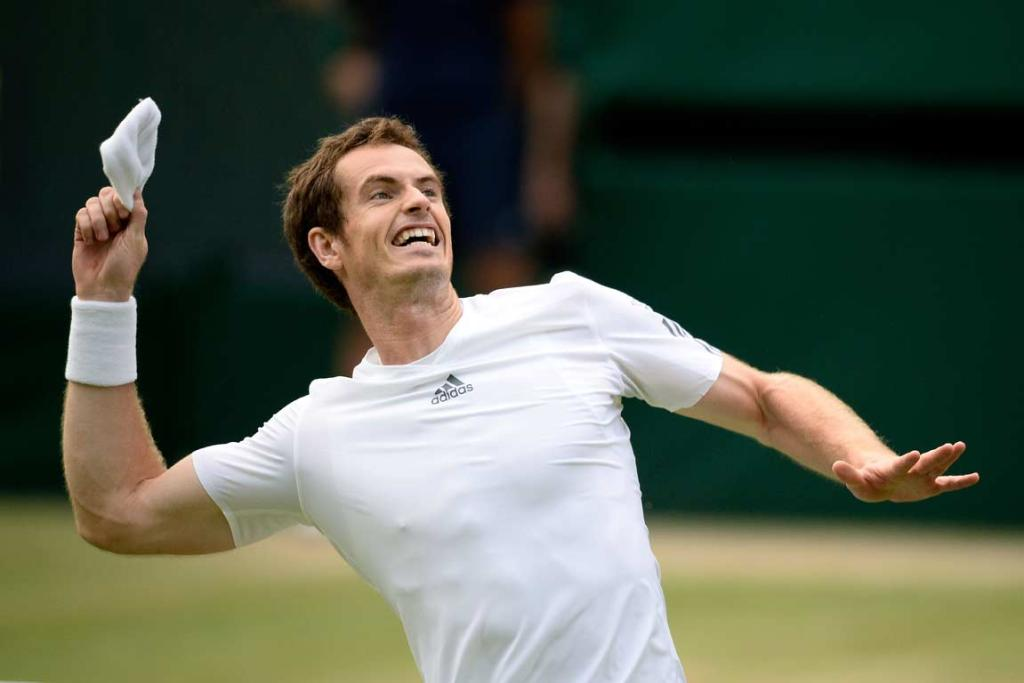 Andy Murray throws his wrist-band into the crowd after defeating Fernando Verdasco.