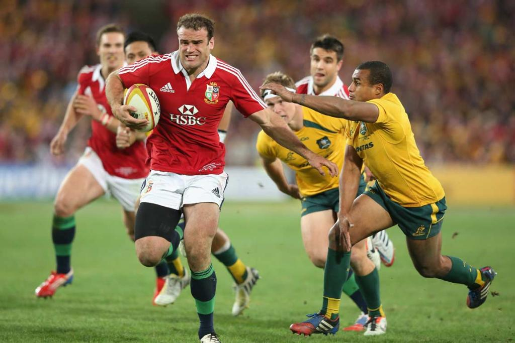 Centre Jamie Roberts sprints away from the chasing Wallabies defence.