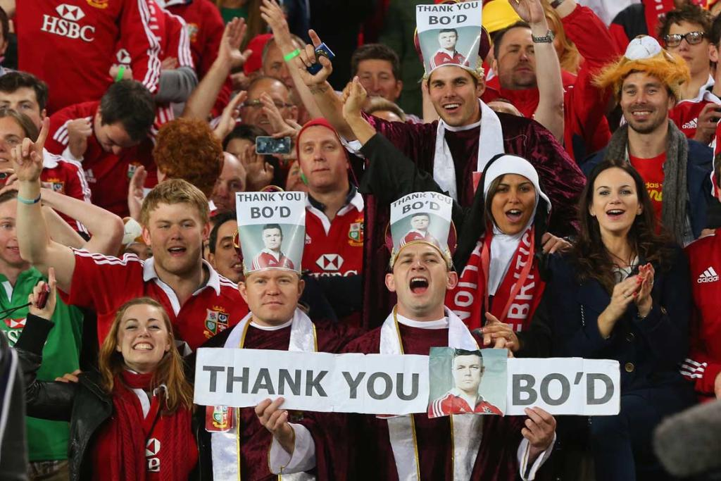 Lions fans pay tribute to former captain Brian O'Driscoll.