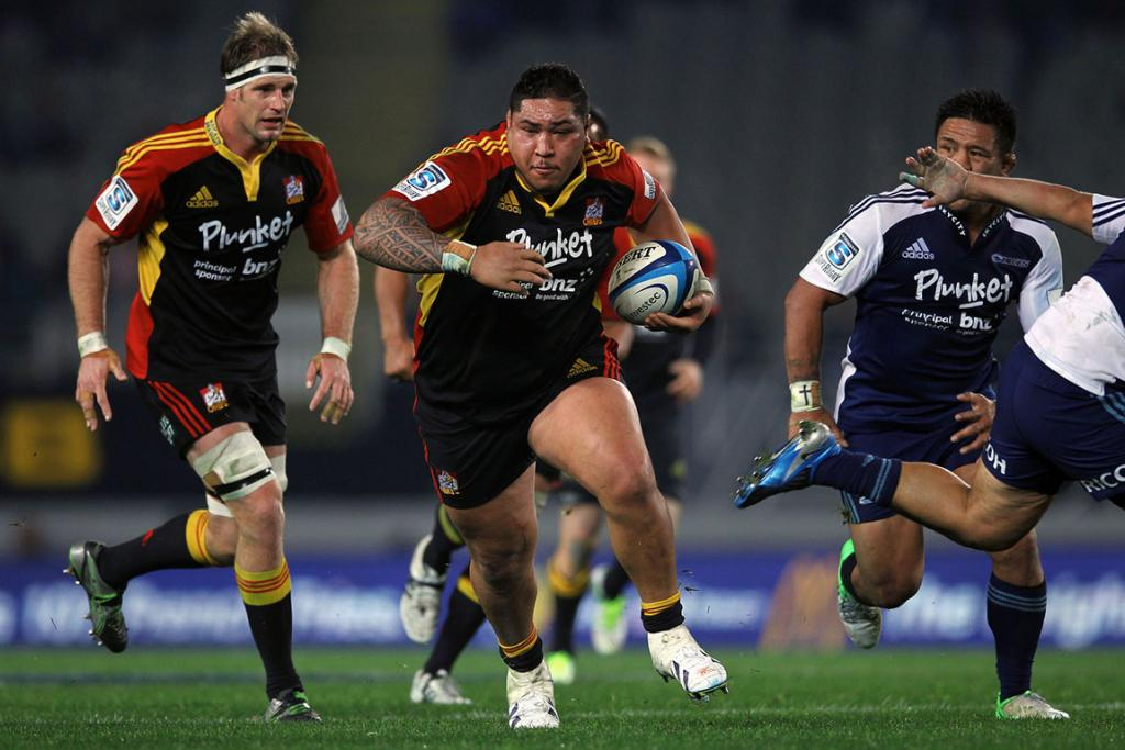 Ben Tameifuna on the charge for the Chiefs.