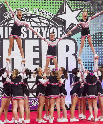 Cheers to you: Upper Hutt's Paige Bartley (centre) stands tall for the Elite Diamonds.