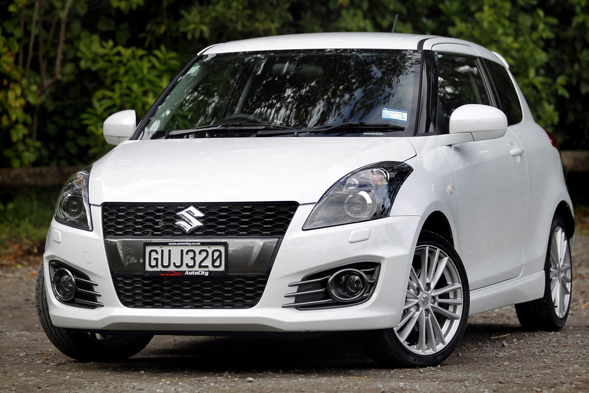 suzuki swift sport photos motoring. Black Bedroom Furniture Sets. Home Design Ideas