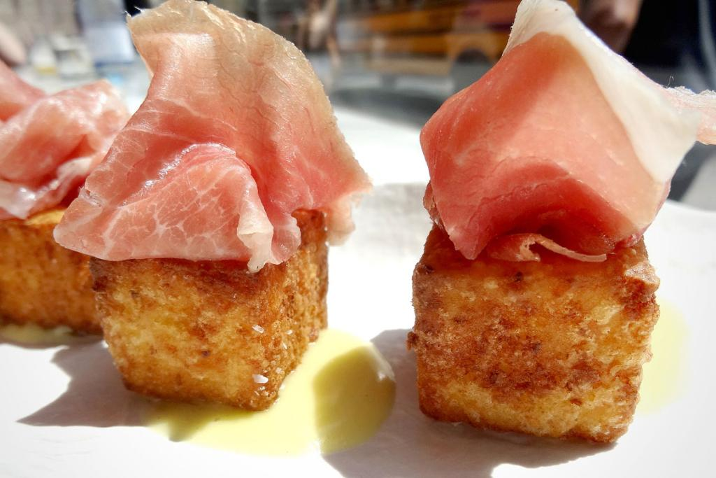 Crispy grits with country ham and bourbon aioli in May at Maysville in New York.