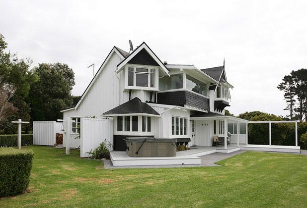 Character home, orchard income | Stuff.co.nz