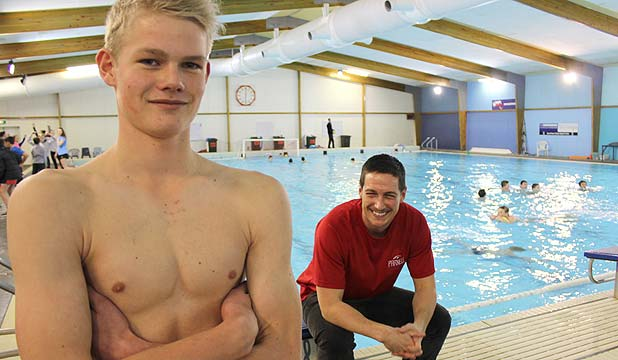 New device helps swimmers see training results - University of auckland swimming pool ...