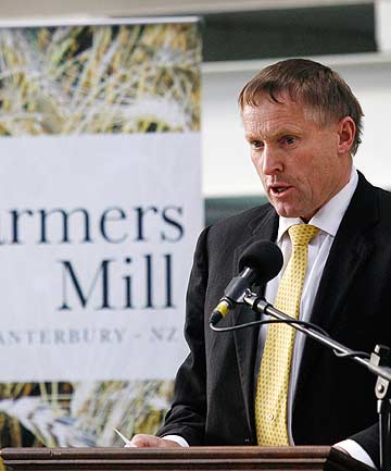 Farmers Mill chairman Murray Turley speaks at the flour mill's opening.