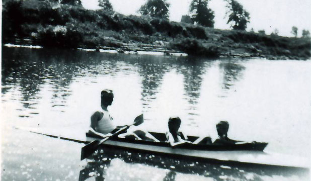 Rudolf Hoss rowing on the Sola River