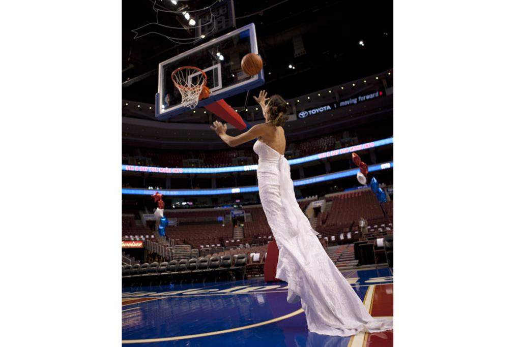 Introducing the jump shot bride. The dress took centre court inside the famous 76ers stadium in Philadelpia.