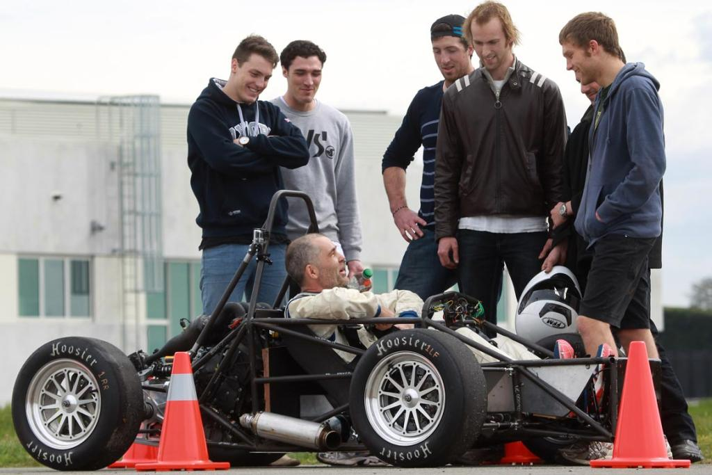 Canty Uni students build car from scratch | Stuff co nz