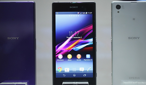 SMART MOVES: Sony President and Chief Executive Officer Kazuo Hirai presents the new Sony Xperia Z1 at the IFA consumer electronics fair in Berlin, September 4.