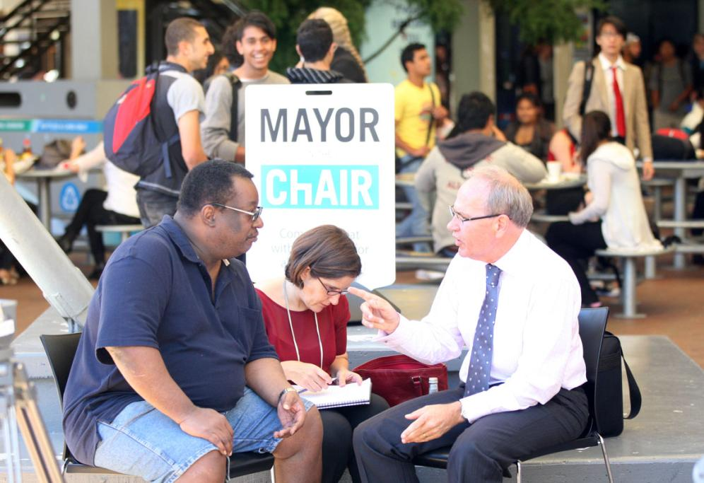 Len Brown holds one of his Mayor in the Chair events at Auckland University, enabling anybody to have a one-on-one with him.
