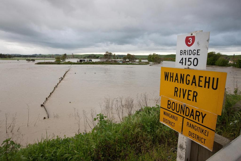 Flooding at the Whangaehu River and township.