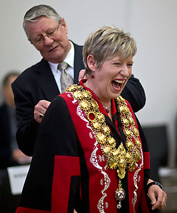 Lianne Dalziel mayoral chains