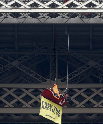 Eiffel Tower protest