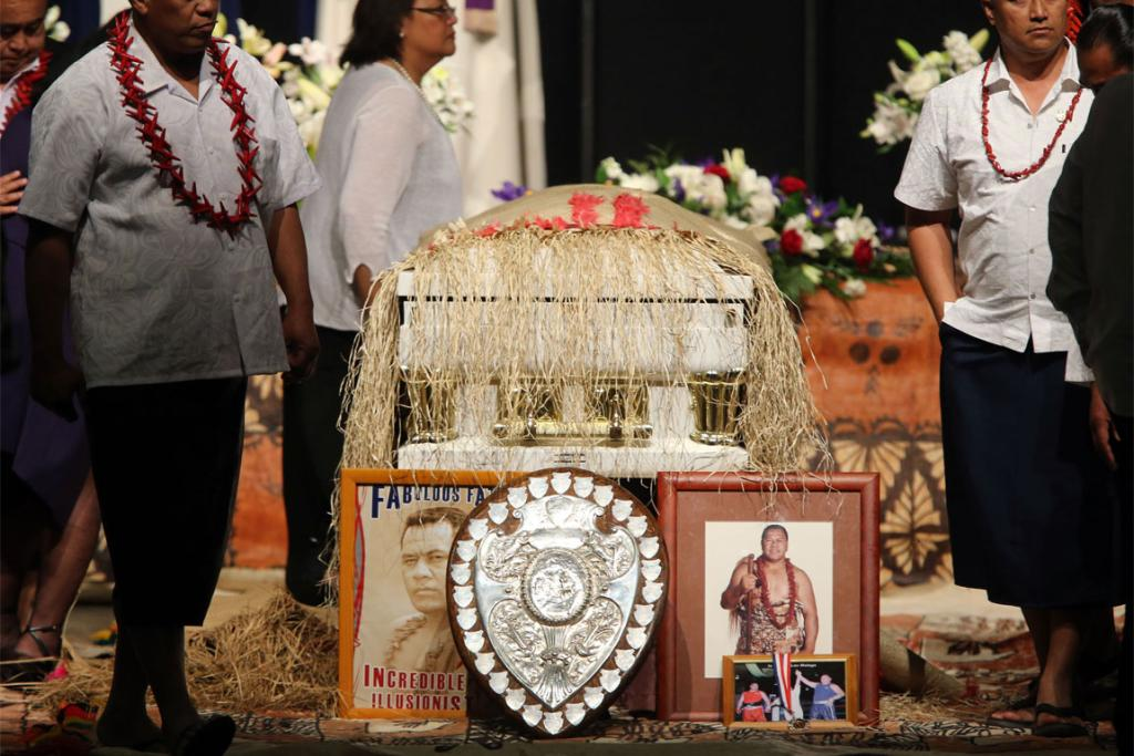Farewell for peter fatialofa in manukau stuff mourners pay their respects to peter fatialofa m4hsunfo