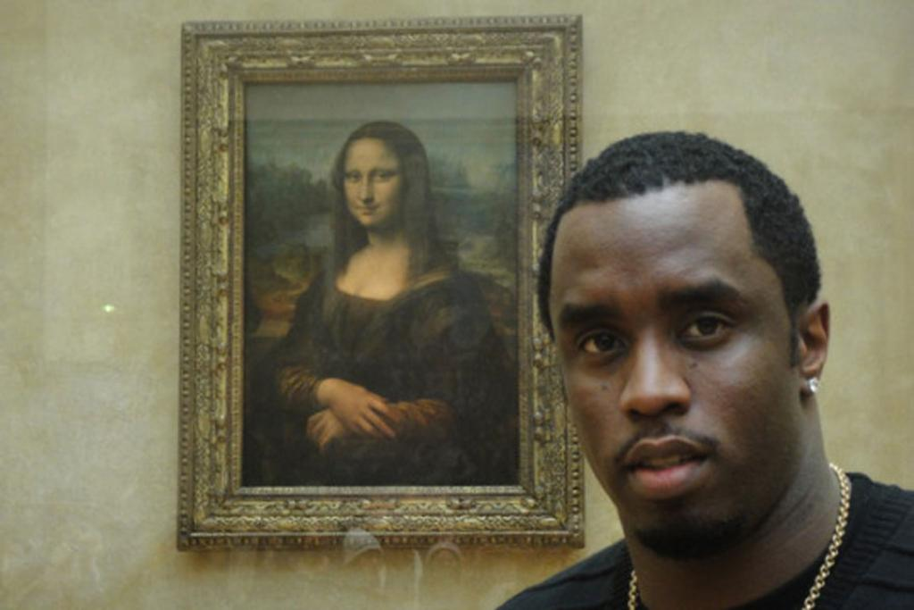 If you move your head around, both Diddy's and Mona's eyes follow you.