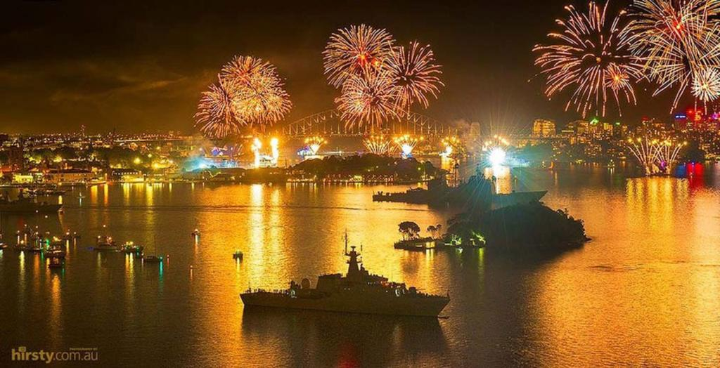 10. The International Fleet Review 2013 which happened tonight on the Sydney harbour was captured in this stunning pic by Hirsty Photography, October 5, 2013. 91,646 likes.