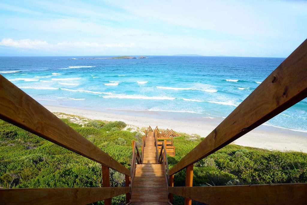 6. Rise and shine... It's beach walkin' time! Esperance, Western Australia, September 5, 2013. 107,972 likes.